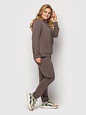 Батальный женский спортивный костюм на весну цвета мокко, фото 3