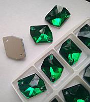 Стразы пришивные Космик (ломаный ромб) 21х26 мм Emerald (изумрудный), стекло