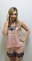 Пижама с шортами украшена французским кружевом 242