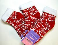 Яркие новогодние теплые носки без резинки красного цвета