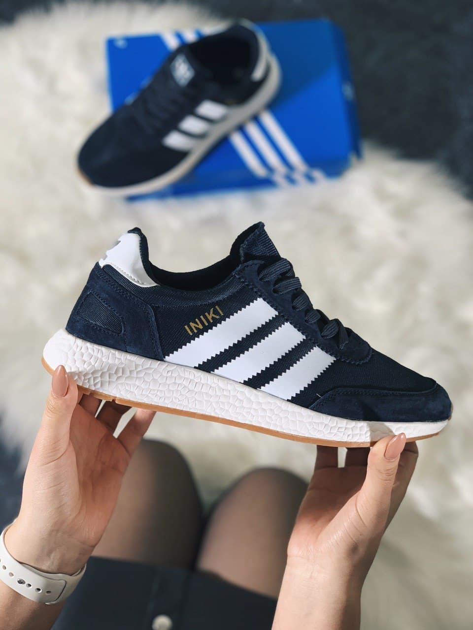 Жіночі кросівки Adidas Iniki