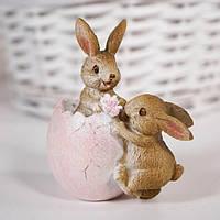 """Пасхальная статуэтка """"Зайчишки и яйцо"""" 10х9,5 см (полистоун)"""