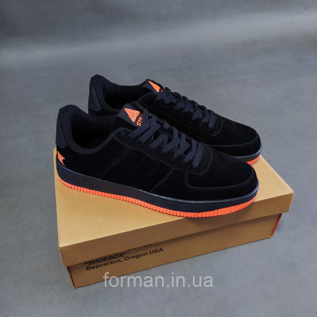 Чоловічі замшеві кросівки Force, чорні з помаранчевим