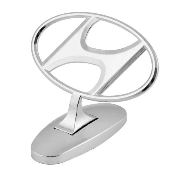 "Приціл на капот ""Hyundai"" на скотчі на скотчі"