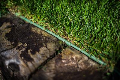 Бордюр газонный прямой с желобком для провода,  18м х 12,5 см, черный, OBKBC18125