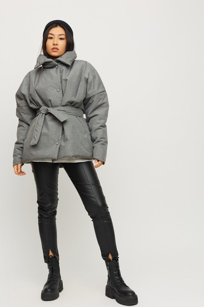 Модна сіра коротка куртка демісезонна з поясом
