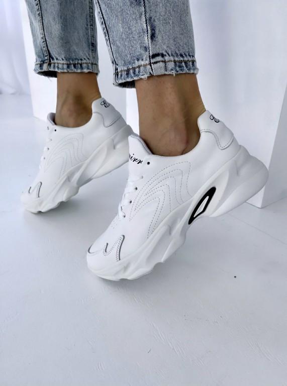 Женские кроссовки кожаные весна Emirro белые
