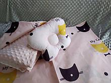 Комплект постельного белья для новорожденных Манюня Кошечка в кроватку ( коляску) плед + подушка + простынь
