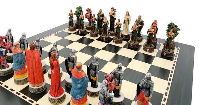 Коллекция фигур Robin Hood. Итальянские шахматы Italfama