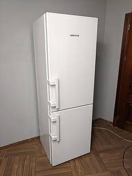 Холодильник Liebherr Premium класу с белой стеклянной панелью