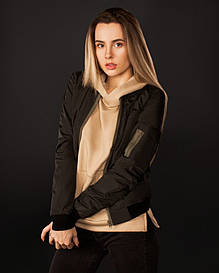 Женская черная весенняя куртка бомбер