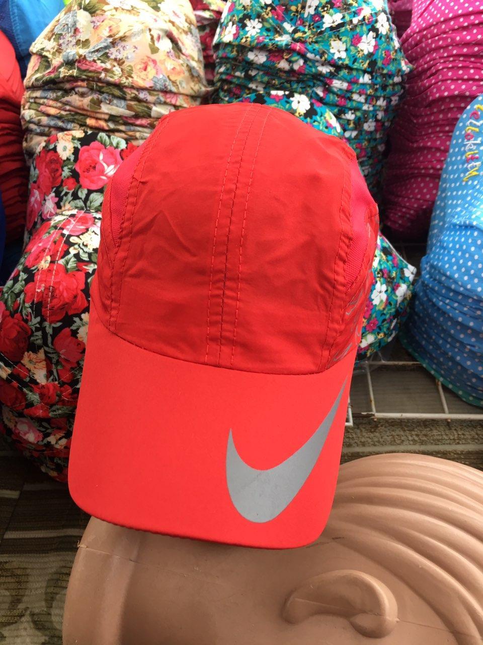 Жіноча кепка 54-56