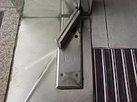 Демонтаж стеклянной двери и перегородки