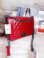 Брендовые лаковые сумки красная кроссбоди лаковая сумка через плечо