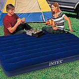 Надувной двухместный матрас Intex 183*203*25 две подушки intex и ручной насос КОМПЛЕКТ, фото 7