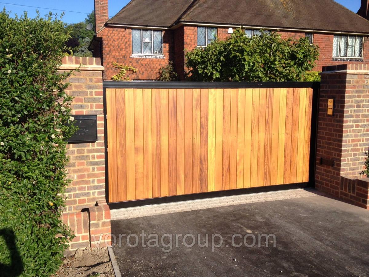 Зсувні ворота з зашивкою деревом 2,8 м*2м