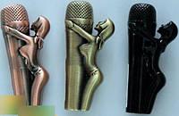 Зажигалка карманная девушка на микрофоне (острое пламя)