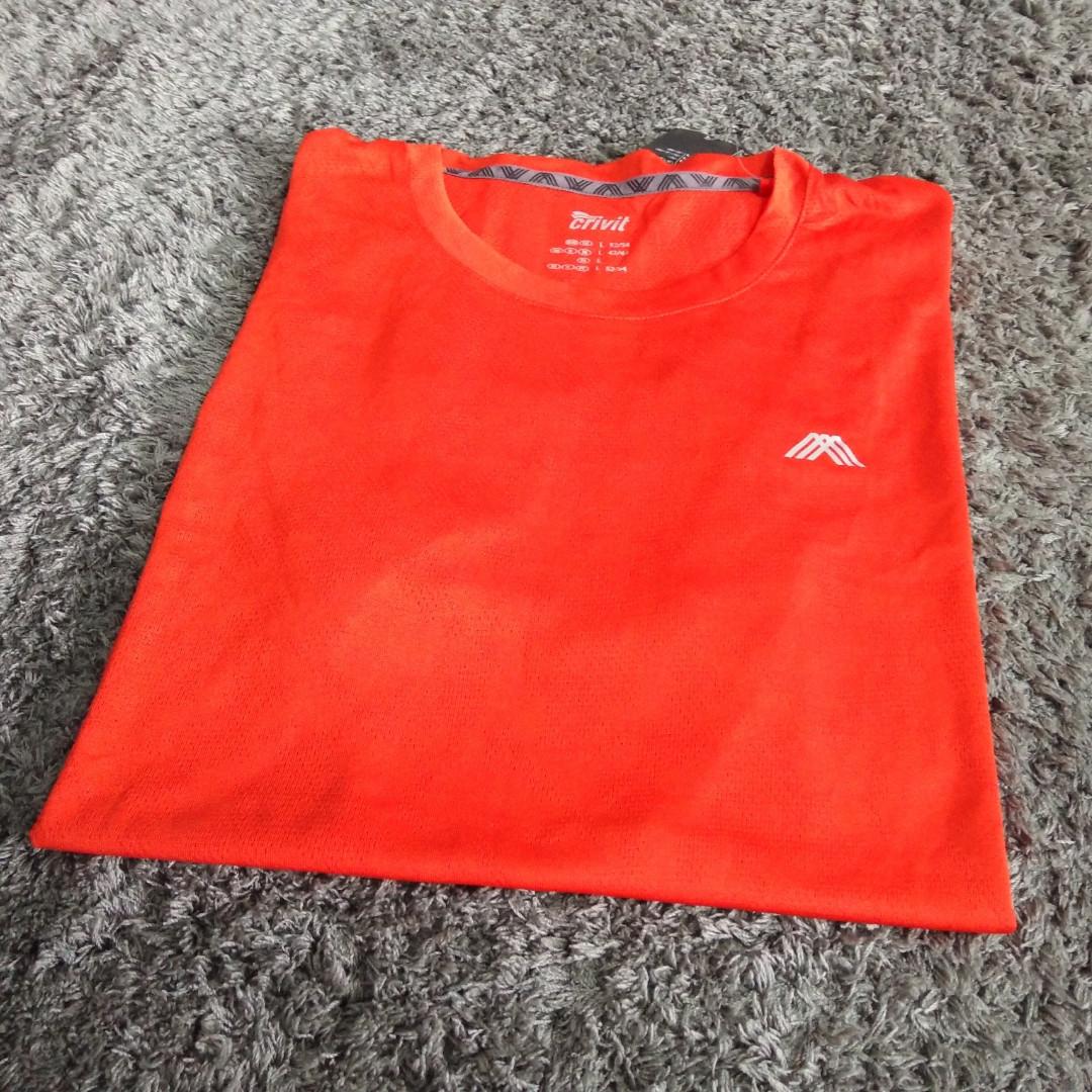 Спортивная футболка  от Crivit  Мужская, размер L  Новая, качество отличное, приятная до тела