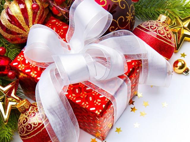 Детские новогодние подарки 2018