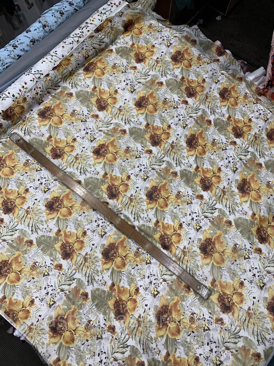 Шифон принт (на светлом фоне крупные цветы)