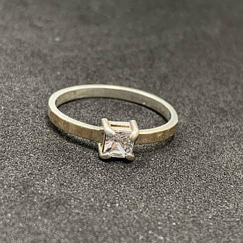 Серебряное кольцо БУ  с фианитом 925 пробы, размер 17. Вес - 1,44г. Серебряные изделия бу в Украине