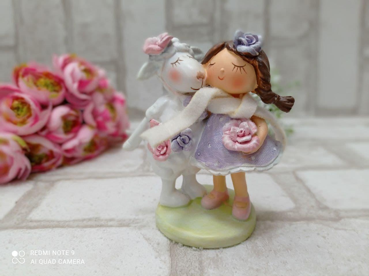 """Статуэтка из керамики """"Овечка с девочкой"""" h 11 см, 250 грн"""