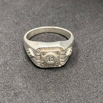 Серебряная печатка БУ с фианитами  925 пробы, размер 23. Вес - 7,62г. Серебряные изделия бу в Украине