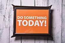 Піднос на подушці Mine Зроби щось сьогодні Темно-коричневий (111773)