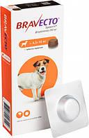 Жевательная таблетка Бравекто от блох и клещей для собак 4.5-10 кг