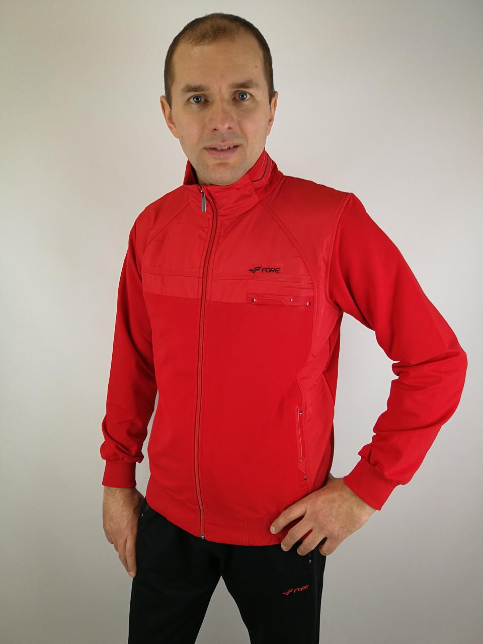 Мужской спортивный костюм красного цвета