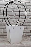 Сумка-пакет 12х12,5 см, білий з коричневими ручками.