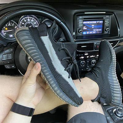 Кроссовки мужские Adidas Yeezy Boost 350 V2, черного цвета, Адидас Изи Буст 350, кроссовки весна/осень