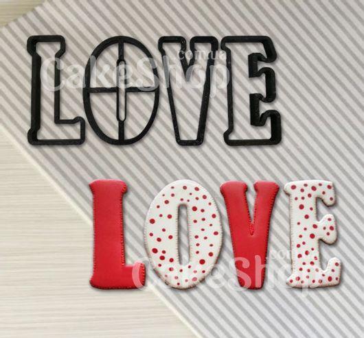 Вирубка пластикова LOVE літери