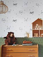Шпалери флізелінові дитячі Caselio Our Planet тварини ведмеді, олені чорні дерева зелені на білому, фото 1