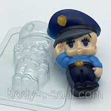 Пластикова форма Малюк / Поліцейський