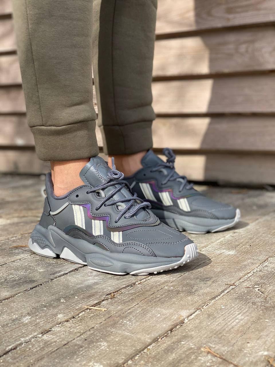 Жіночі кросівки Adidas