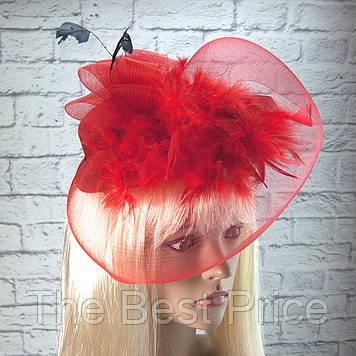 Шляпка с бутоньеркой и вуалью (красная)