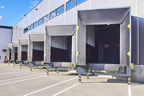 Перегрузочный тамбур с установкой под углом 30° к фасаду склада