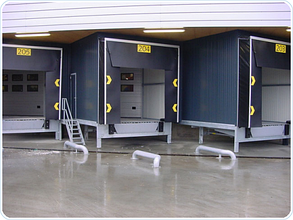 Перегрузочный тамбур с установкой под углом 45° к фасаду склада