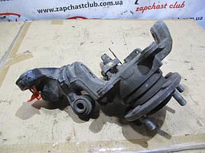 Цапфа, кулак поворотный передний правый 40010AU000 со ступицей 40202BU000 18069394 Primera P12 NISSAN