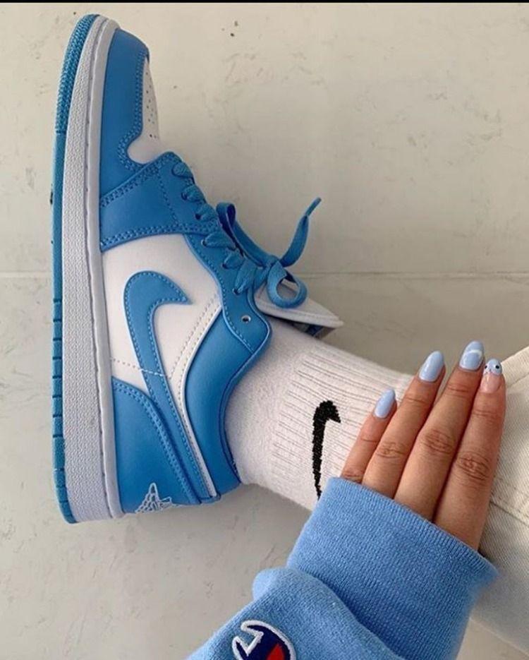 Кроссовки женские Nike Air Jordan 1 Low Court Blue в стиле найк джордан СИНИЕ (Реплика ААА+)