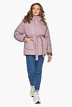 Трендова куртка пудрова жіноча модель 21045, фото 2