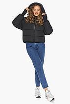 Черная куртка короткая женская модель 26420, фото 2