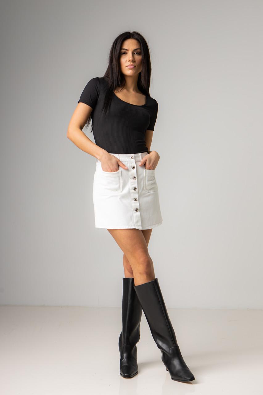 Джинсовая прямая короткая юбка на пуговицах в размерах: S, M, L, XL.