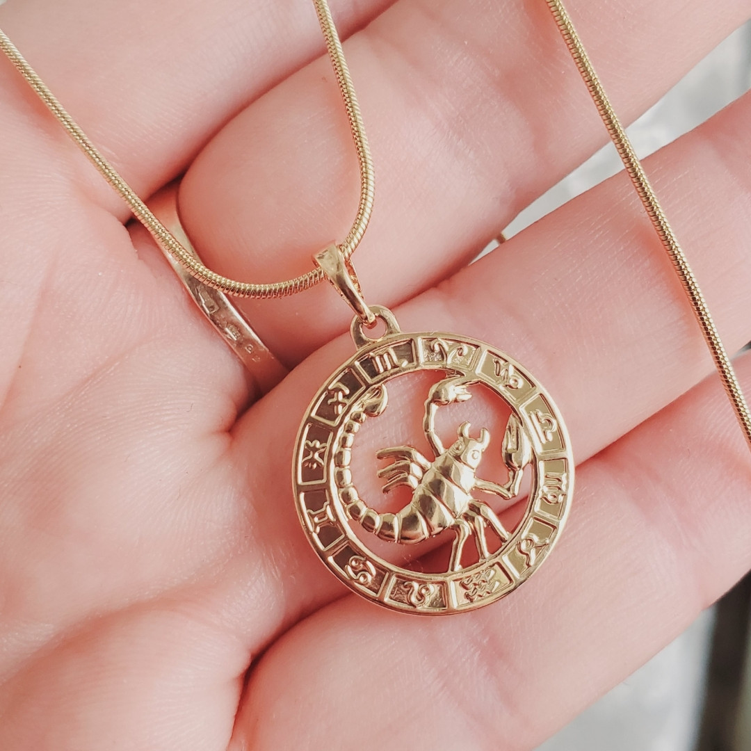 """Кулон знак зодіаку """"Скорпіон"""" 2.7 см з ланцюжком 1мм 55см Xuping медичне золото позолота 18К 9247"""