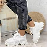 ТОЛЬКО 24 см! Стильные кроссовки женские белые на платформе 6 см эко-кожа, фото 2
