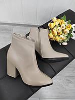 Женские ботильоны из натуральных материалов на высоком каблуке