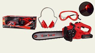 Дитячі інструменти - пила на батарейках, дитяча бензопила, окуляри і навушники.