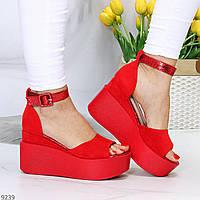 Яркие красные замшевые женские босоножки с закрытой пяткой на платформе