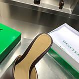 Кожаные шлепки, сандали Боттега на каблуке, фото 2